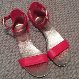 Guess flat sandals gently used